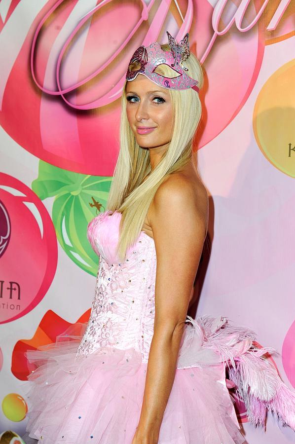 Paris Hilton Photograph - Paris Hilton At Arrivals For 6th Annual by Everett