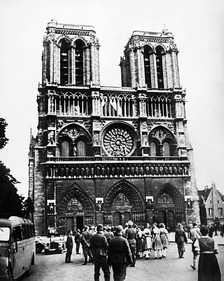 1940 Photograph - Paris: World War II, 1940 by Granger