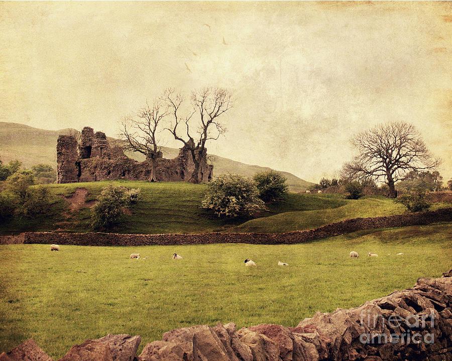 Pendragon Castle Photograph - Pendragon Castle by Linde Townsend