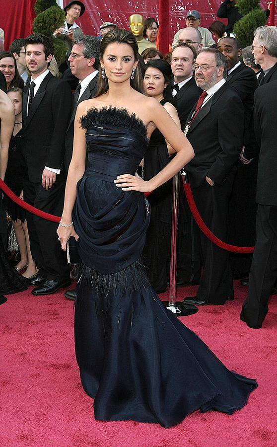 Academy Awards Photograph - Penelope Cruz Wearing A Chanel Haute by Everett