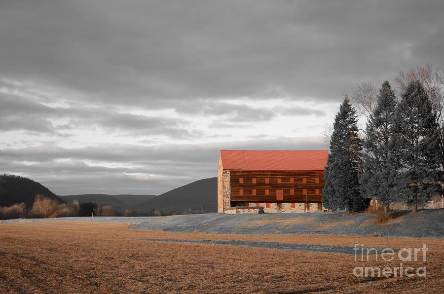 Red Barn Pyrography - Pennsylvania Barn by Randy Edwards