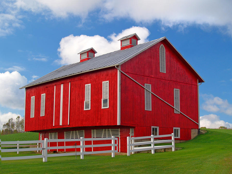 Barn Photograph - Pennsylvania Dutch Red Barn by Brian Mollenkopf