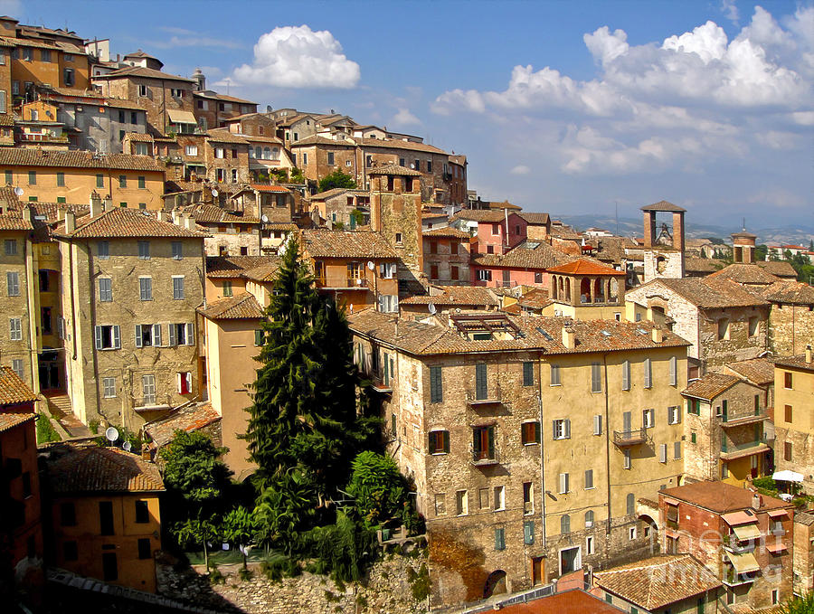 Hill Town Painting - Perugia Italy - 01 by Gregory Dyer