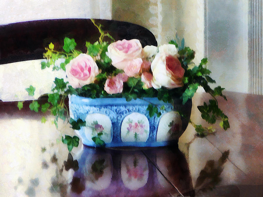 Rose Photograph - Pink Roses And Ivy by Susan Savad