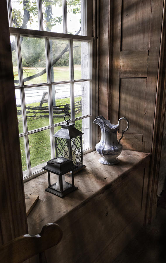 Hull House Photograph - Pitcher Window by Peter Chilelli
