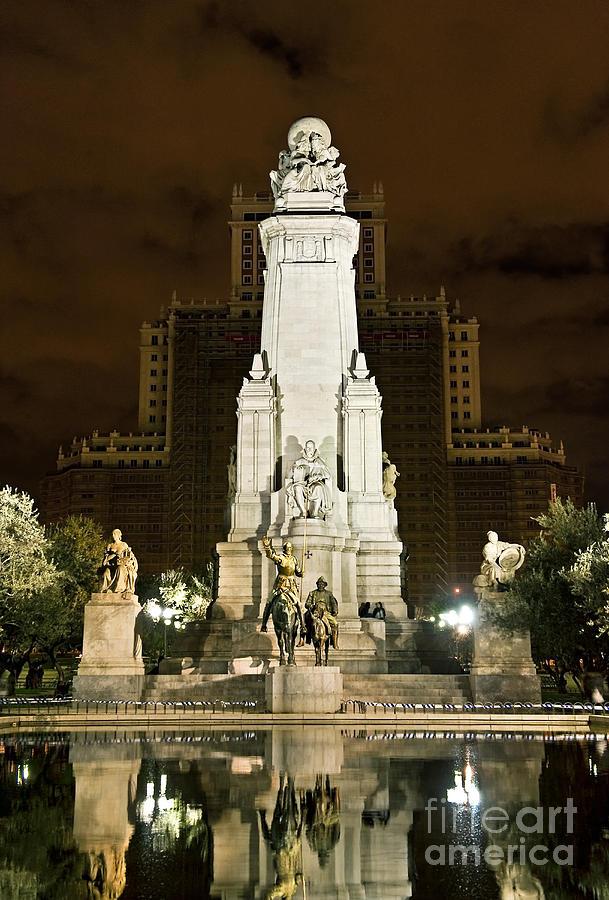 Cervantes Photograph - Plaza De Espana Madrid Spain by John Greim