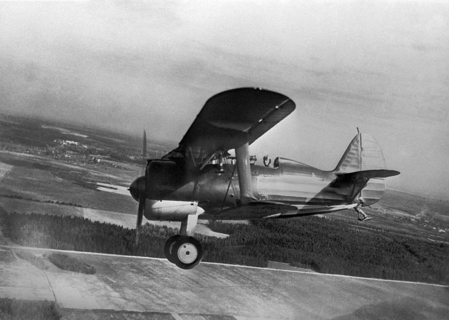 Polikarpov I-15 Photograph - Polikarpov I-15, Soviet Fighter, 1935 by Ria Novosti