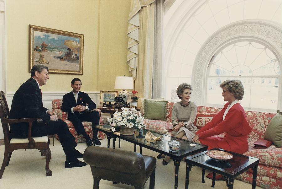 History Photograph - President And Nancy Reagan Having Tea by Everett