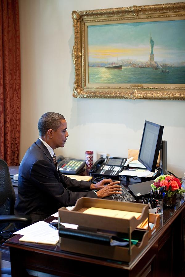 History Photograph - President Barack Obama Does Last-minute by Everett