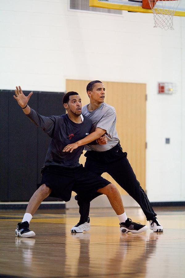 History Photograph - President Barack Obama Guards by Everett