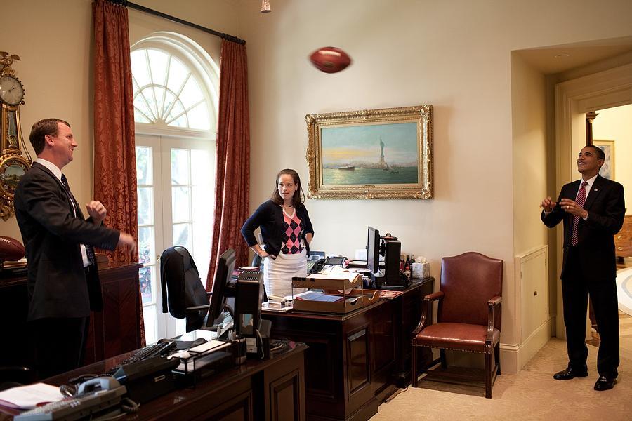 History Photograph - President Barack Obama Tosses by Everett