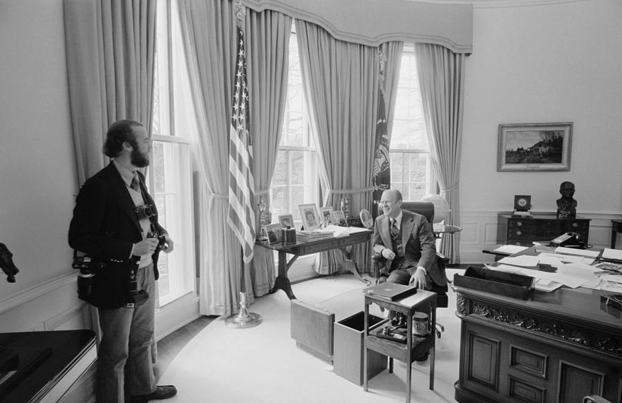 History Photograph - President Gerald Ford Chatting by Everett