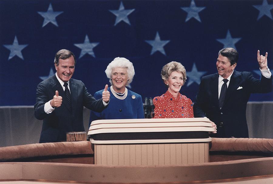 History Photograph - President Reagan Nancy Reagan by Everett