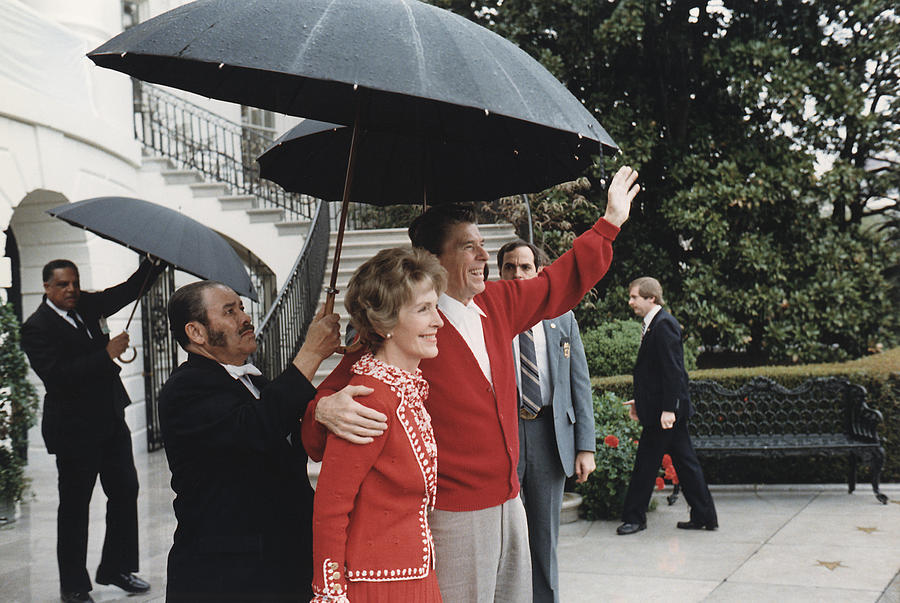 1980s Photograph - President Ronald Reagan And First Lady by Everett