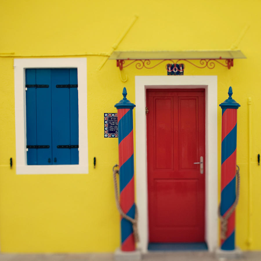 Italy Photograph - Primary Colors by Irene Suchocki