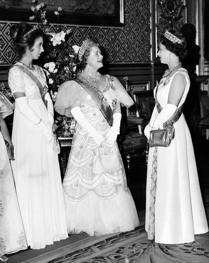 Princess Anne, Queen Elizabeth Photograph by Everett