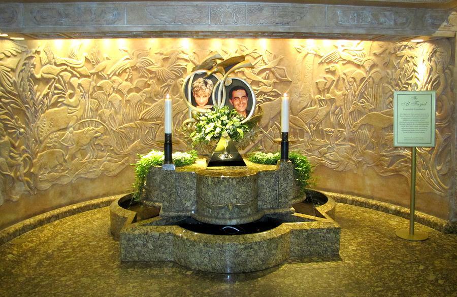Princess Diana Memorial Photograph by Keith Stokes