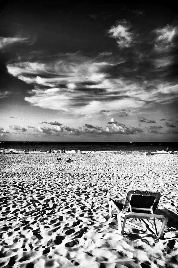 Lounge Photograph - Punta Cana Lounge by John Rizzuto