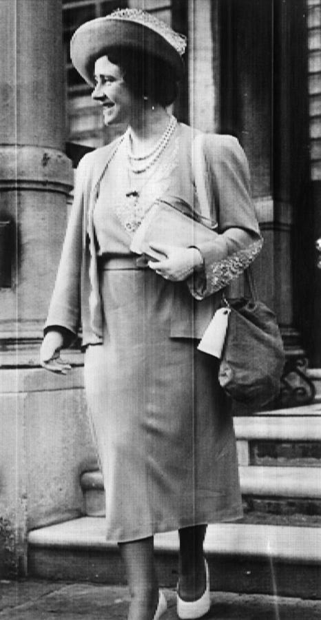 Queen Mother Elizabeth Queen Photograph By Everett
