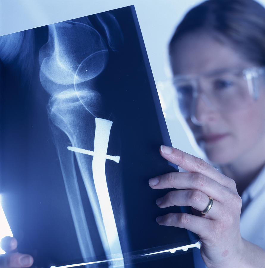 Radiologist Photograph - Radiologist by Tek Image