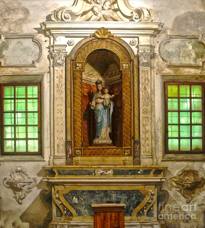 Ravenna Italy Painting - Ravenna Italy - Sant Apollinare Nuovo - Madonna And Child by Gregory Dyer