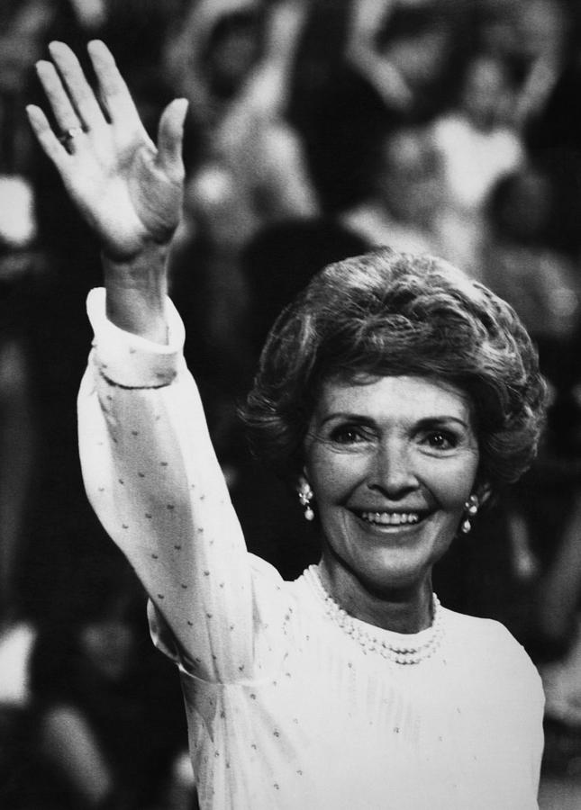 1980s Photograph - Reagan Presidency. Future First Lady by Everett