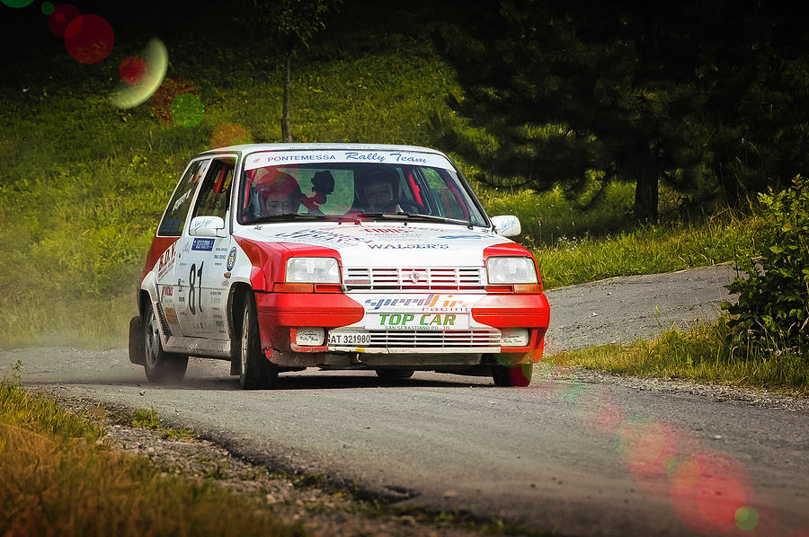 Car Photograph - Red And White Renault 5 by Alain De Maximy