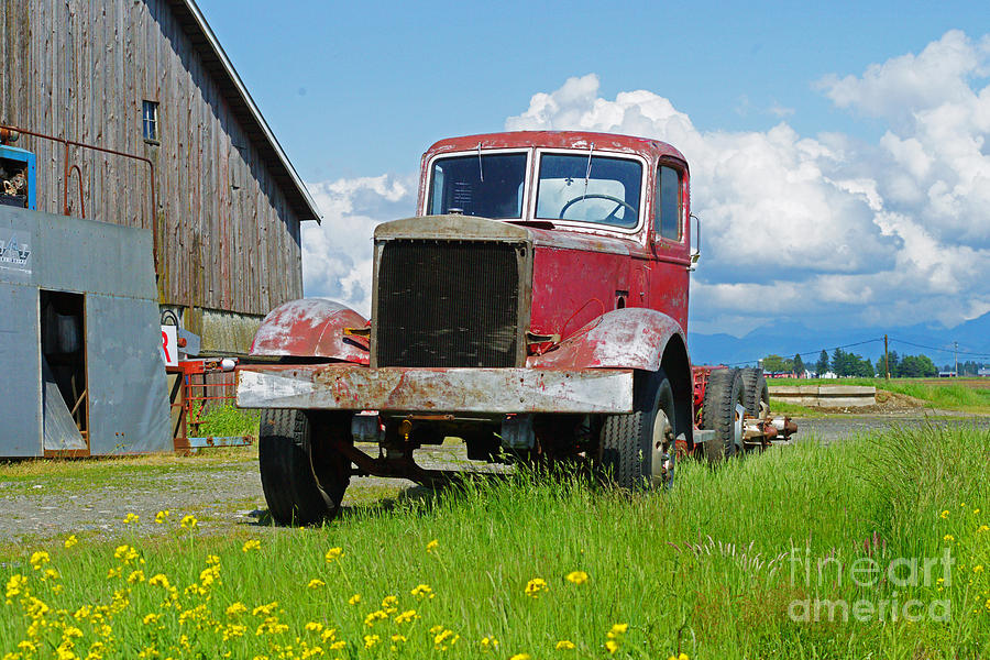 Trucks Photograph - Red Rusted Semi by Randy Harris