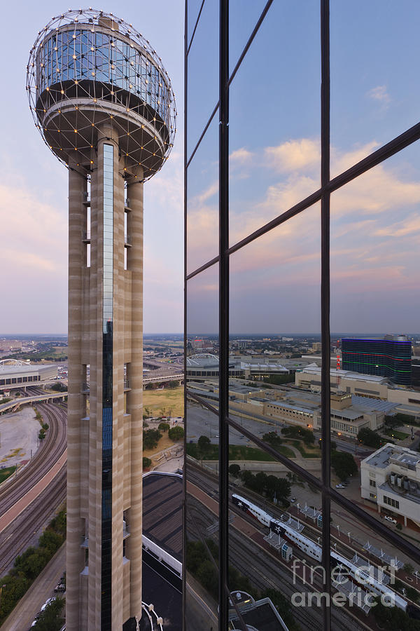 Buildings Photograph - Reunion Tower by Jeremy Woodhouse