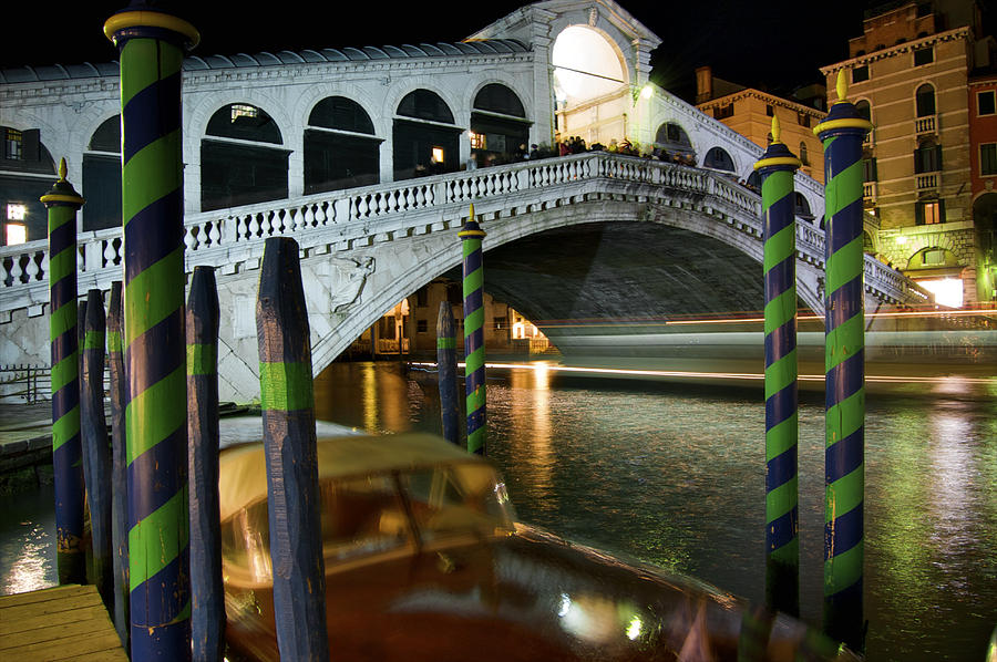Color Image Photograph - Rialto Bridge Over The Grand Canal by Jim Richardson