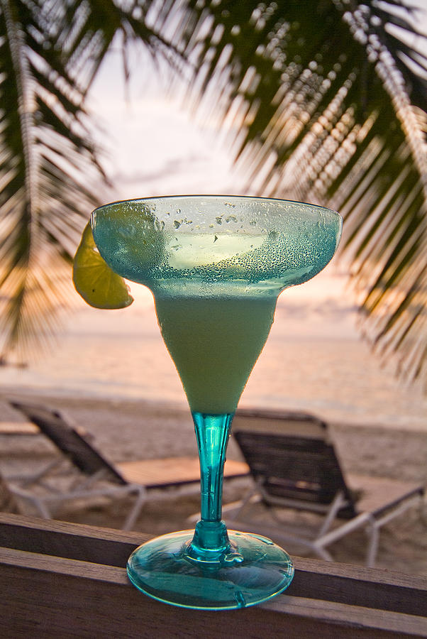 Bay Photograph - Roatans West Bay, Tropical Drink by Richard Nowitz