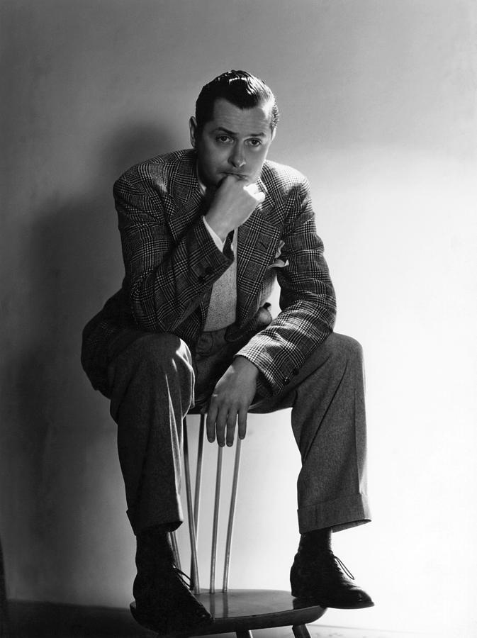 11x14lg Photograph - Robert Montgomery, Mgm Portrait by Everett