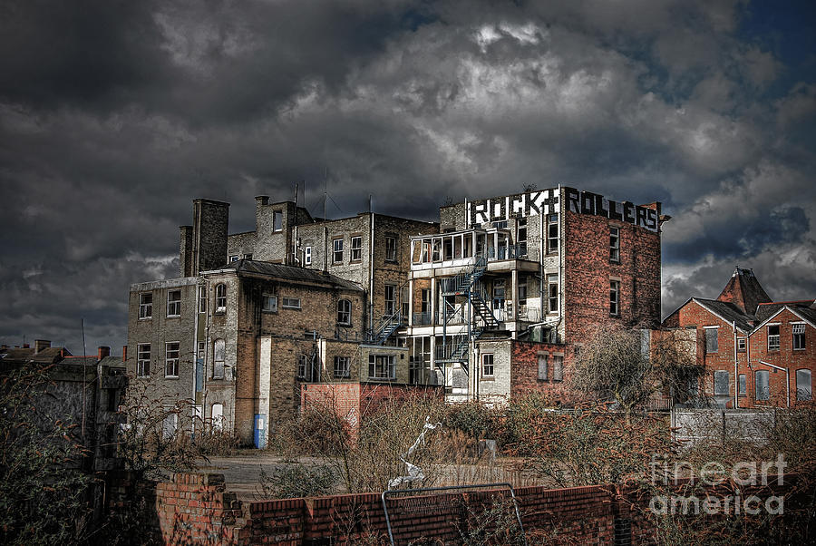 Hdr Photograph - Rock And Rollers by Yhun Suarez