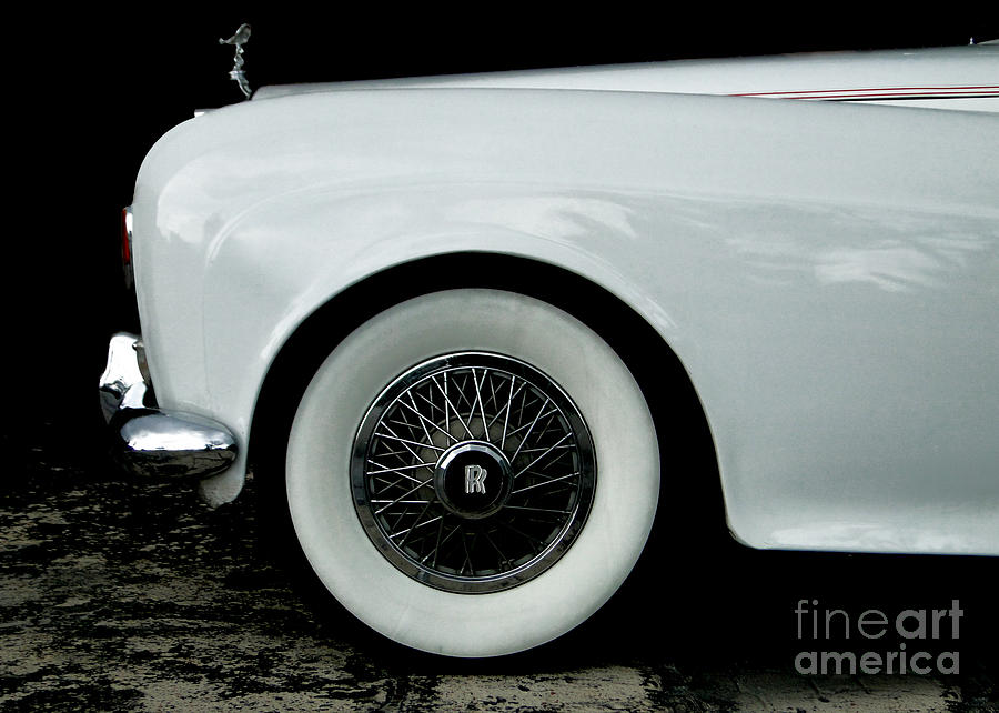 Old Cars Photograph - Rolls Royce by Jose Luis Reyes
