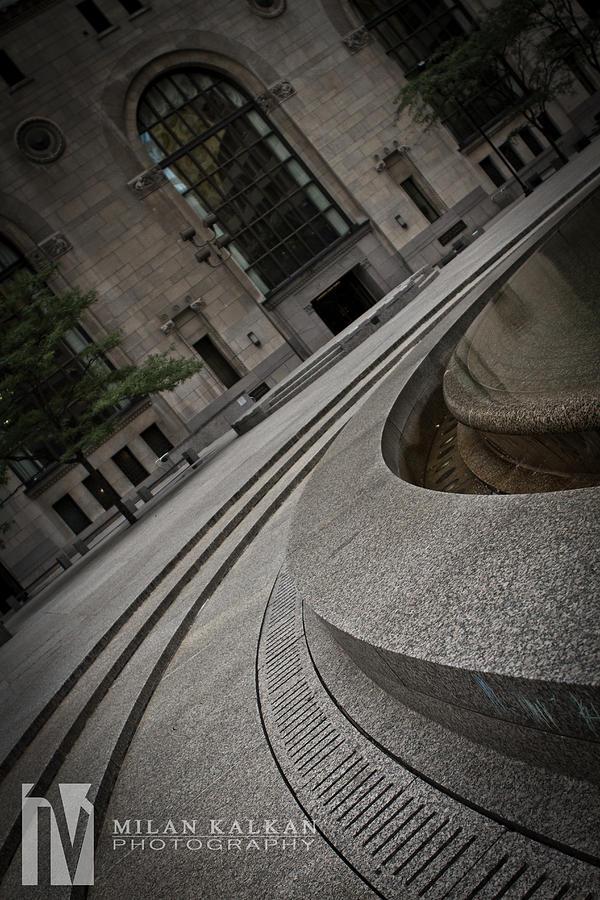 Toronto Photograph - Round by Milan Kalkan