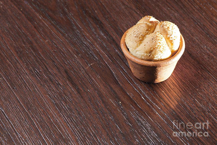 Background Photograph - Round Sandwich Bun by Chavalit Kamolthamanon