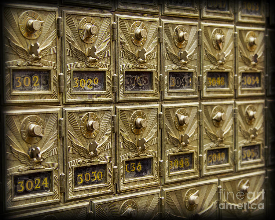 Incroyable Mail Box Photograph   Rows Of Post Office Mailboxes With Combination Locks  And Brass O By