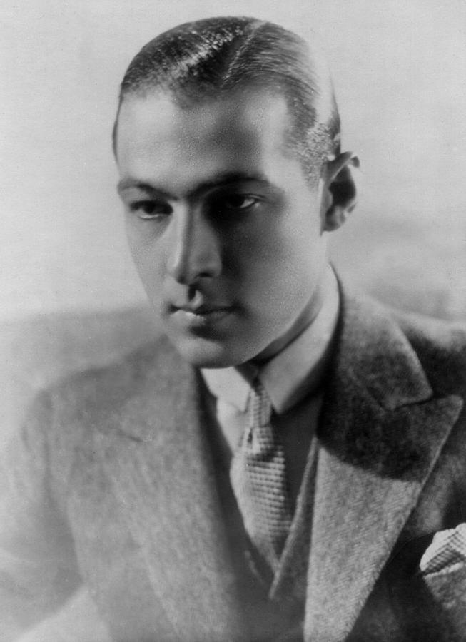 Movies Photograph - Rudolph Valentino by Everett