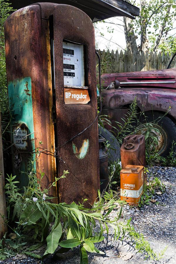 Gas Pump Photograph - Rust Never Sleeps 2 by Peter Chilelli