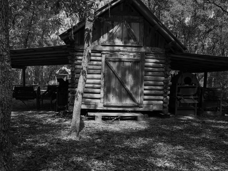 Rustic Barn Photograph - Rustic Barn by Warren Thompson