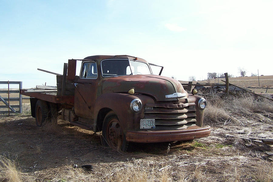 Chevrolet Photograph - Rusty Abandoned Chevy Truck by Richard Adams