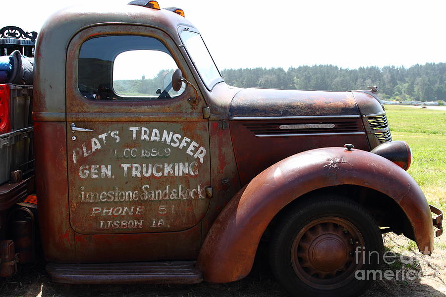 Transportation Photograph - Rusty Old 1935 International Truck . 7d15496 by Wingsdomain Art and Photography