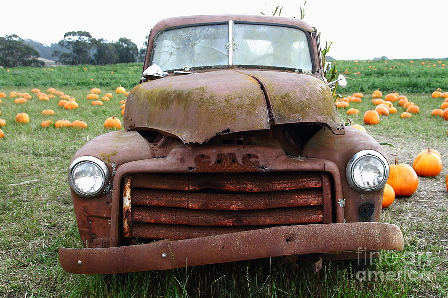 Rusty Old Gmc Truck At The Pumpkin Patch . 7d8395 Photograph by ...