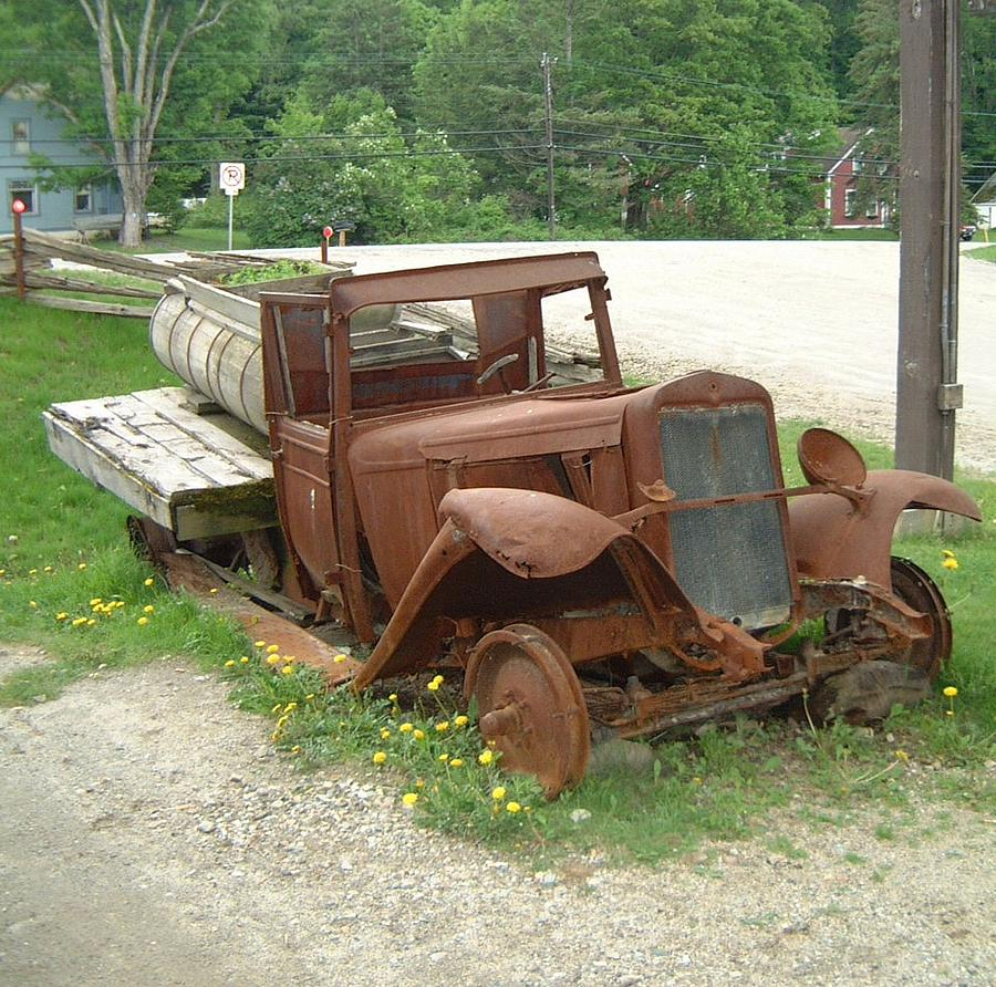 Rusty Old Syrup Truck Photograph by Sven Migot