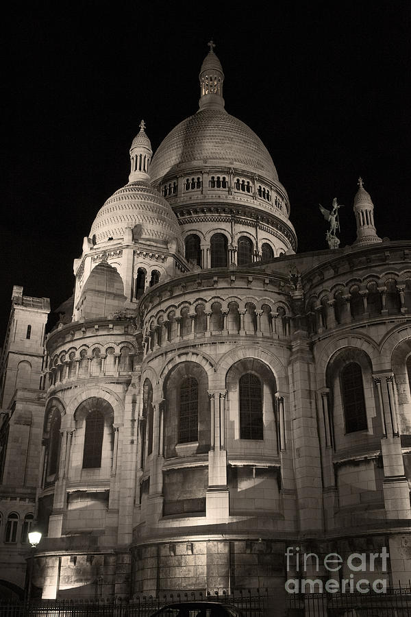Sacre-coeur Photograph - Sacre Coeur By Night Vii by Fabrizio Ruggeri