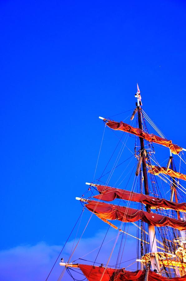 Malmo Digital Art - Sails by Barry R Jones Jr