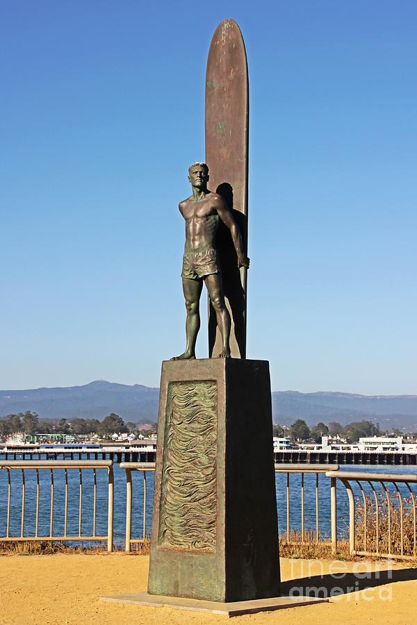 Santa Cruz Photograph - Santa Cruz Surfer Statue by Paul Topp