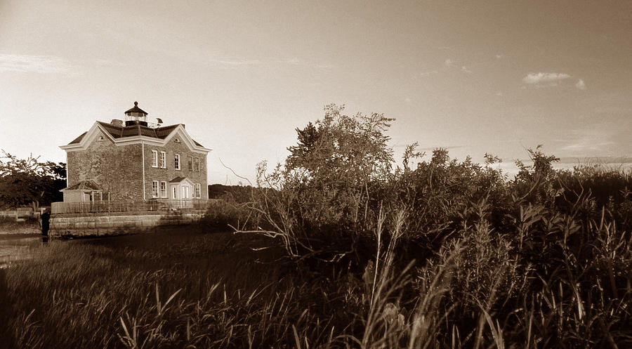 Ny Photograph - Saugerties Lighthouse by Skip Willits