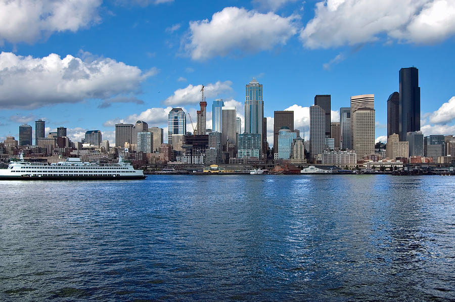 Seattle Photograph - Seattle Skyline by Richard Leon