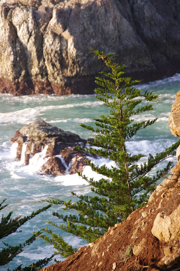 Crashing Waves Photograph - Secluded Big Sur Cove 2 by Jeff Lowe